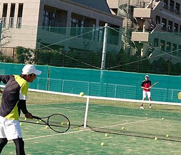 関西トランスウェイスポーツスタジアムミズノテニススクール