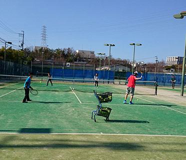 和泉市光明池球技場ミズノテニススクール